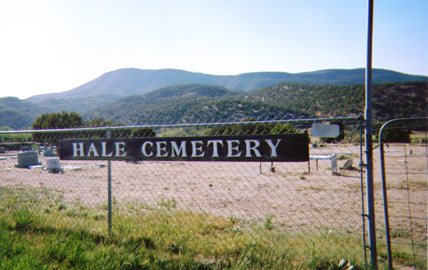 Photograph of Lewis Smith's headstone in Hale Cemetery Ruidoso, New Mexico.